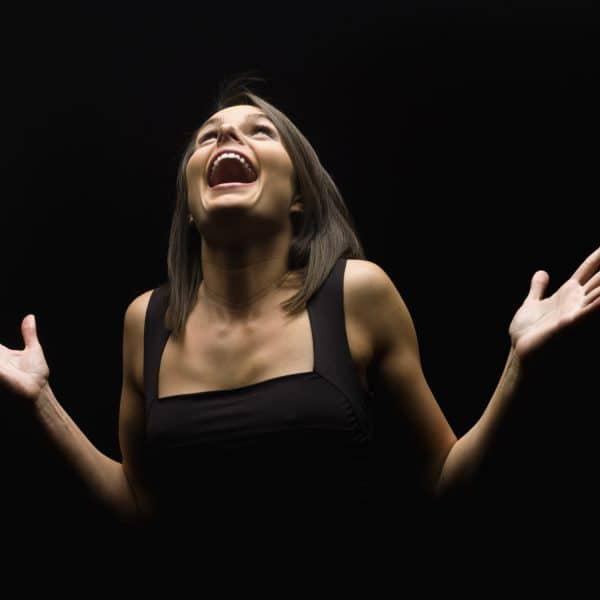 Vous rêvez de jouer comme votre acteur préféré ? C'est possible, avec notre cours de théâtre semi pro.