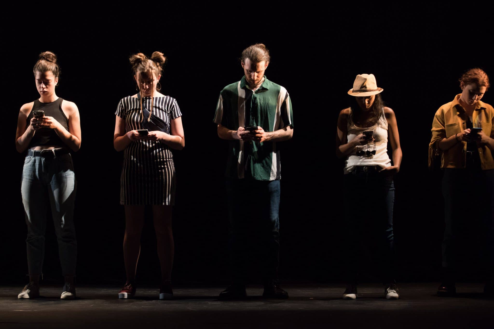 Pièce de théatre mise en scène par Marion N'Guyen. Avec les élèves D'Orchestra Promo 2019